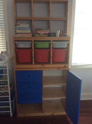 Kids bookshelf, toy storage for Sale in Miami, FL