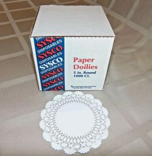 Paper Doilies, 5 inch round, 1000 count for Sale in Hesperia, CA