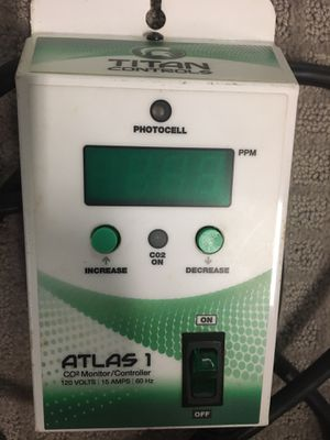 Titan Atlas 1 Co2 Monitor/ Controller $400 for Sale in Las Vegas, NV