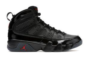 Jordan bred 9s size 7 1/2 y for Sale in Long Beach, CA