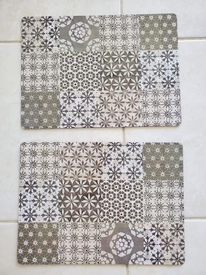 Set of 2 placemats for Sale in Miami, FL