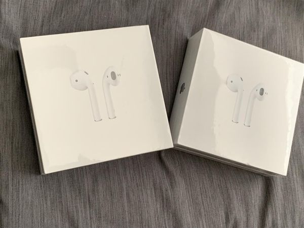 Apple - AirPods with Wireless Charging Case (Latest Model) - White & Regular Charging Case