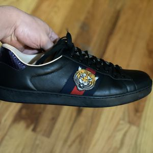 Gucci Ace sneakers for Sale in Chicago, IL