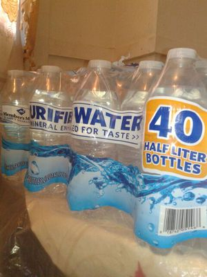 40 bottles of water for Sale in Cleveland, OH