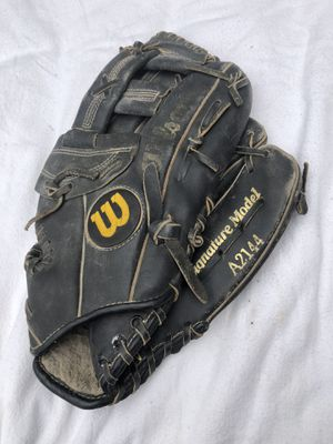 Wilson A2144 Kirby Puckett Signature Edition Baseball Glove for Sale in Glenshaw, PA