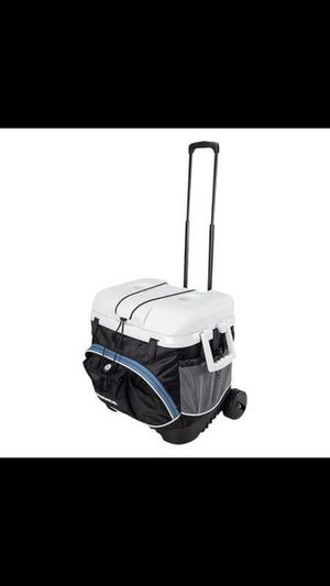 Brand New Igloo Cool Fusion 40 Quart Roller Cooler for Sale in Los Angeles, CA