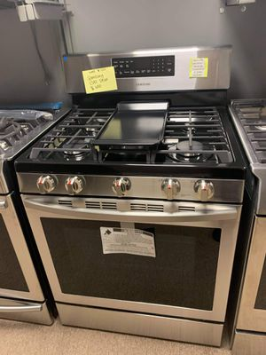 Brand New Samsung Gas Stove for Sale in Moyock, NC