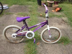 Girl's Magna Bike for Sale in Pittsburgh, PA