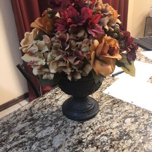 Plastic Flower And Vase for Sale in Arlington, TX