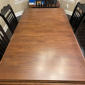 Dining Table w/ Six Chairs for Sale in Kingsburg, CA