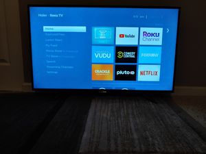 Haier roku 43 inches LCD TV for Sale in St. Louis, MO