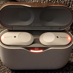 SONY True Wireless Noise Cancelling In-Ear Headphones for Sale in Mission Viejo, CA