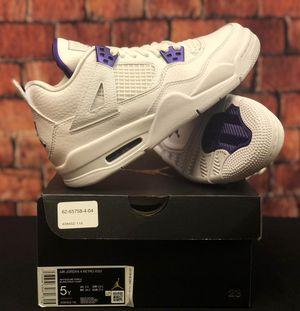 Jordan 4 Retro GS Metallic Purple Size 5Y for Sale in Annandale, VA