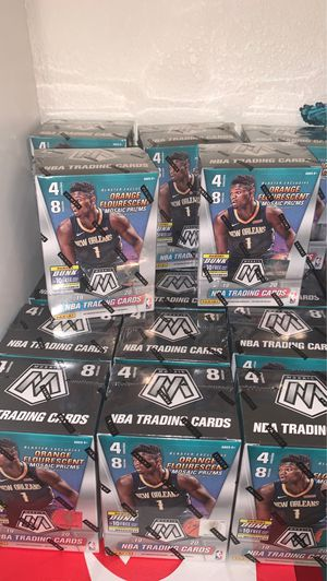 2019-2020 Panini Mosaic Basketball trading cards (1) Zion for Sale in Mesa, AZ