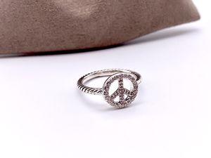 David Yurman Peace Sign w/ Diamonds Ring for Sale in Brooklyn, NY