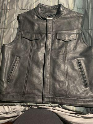 Fox Creek Motorcycle Vest (size 50) like XL for Sale in Phoenix, AZ