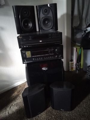 ONKYO 5 DISK CD& DVD STERO SERROUND SOUND System wit 4 speakers& sub woofer for Sale in Fresno, CA