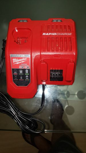 Milwaukee m18 -m12 rapid charger for Sale in Los Angeles, CA