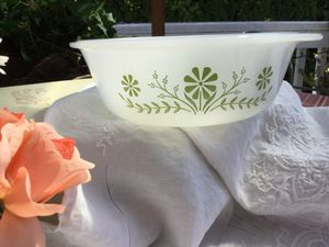 Pyrex Green Daisy Bowl for Sale in Kent, WA