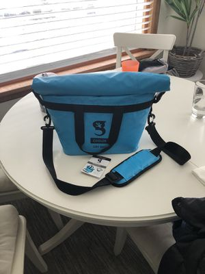 Blue Gecko brands dry bag tote cooler for Sale in Seattle, WA