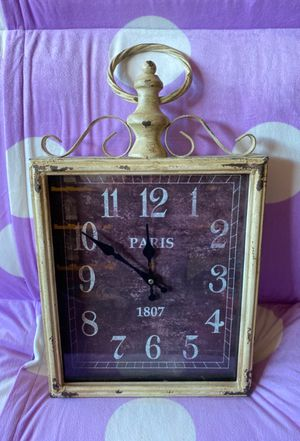 Hanging working wall clock for Sale in Aliso Viejo, CA