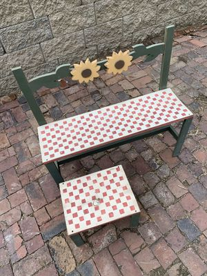 Cute Sunflower Porch Set for Sale in St. Louis, MO