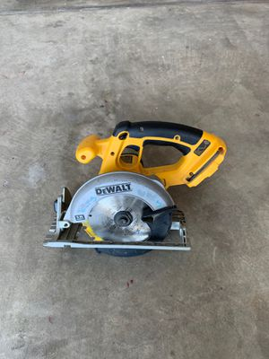 Skill saw circular saw - Dewalt for Sale in Tracy, CA