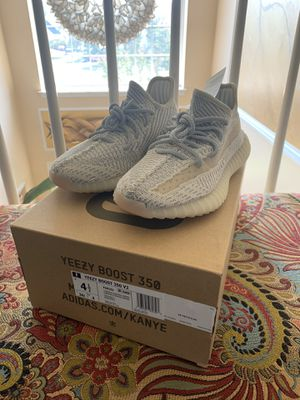 Adidas Yeezy Boost 350 Lundmark for Sale in Montclair, VA