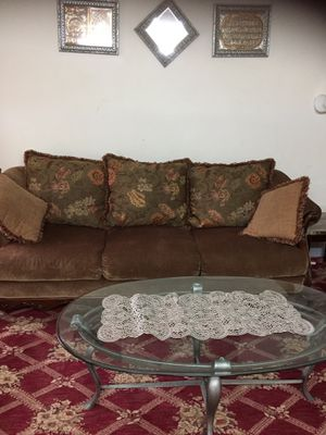 2 couches with coffee table for Sale in Richmond, VA