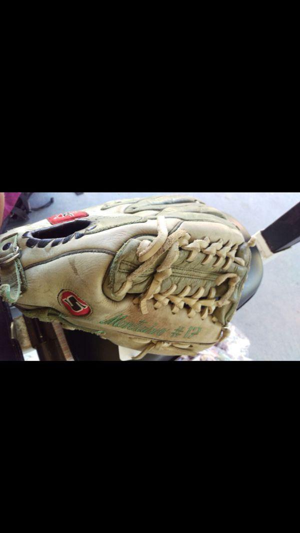 Soto Mexican baseball glove
