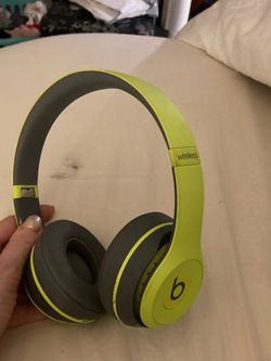Beats By Dre Wirelessl for Sale in Newburgh Heights,  OH
