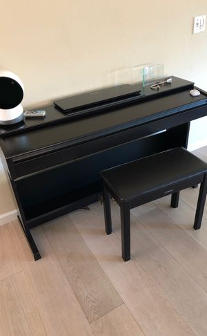Yamaha Digital Piano with Bench for Sale in Redwood City, CA