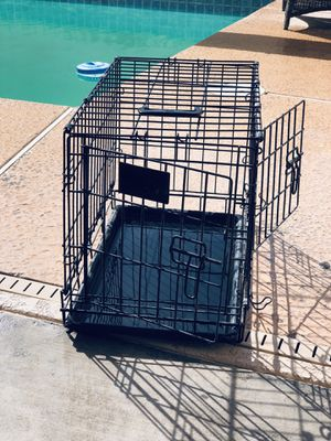 2 door wire kennel for small dog for Sale in Phoenix, AZ