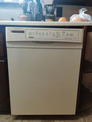 Kenmore Dishwasher and Oster microwave. for Sale in Pittsburgh, PA