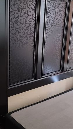 Black Bedroom Set (Queen) for Sale in San Diego,  CA