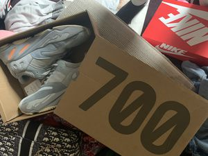 700 Yezzys for Sale in Portland, OR