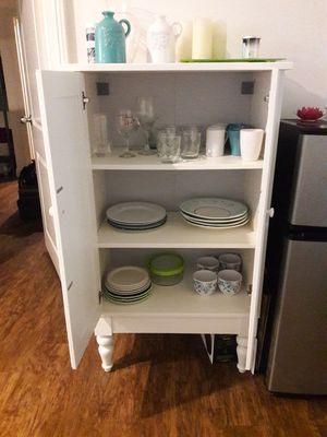 White Storage Cabinet w Shelves for Sale in Miami, FL