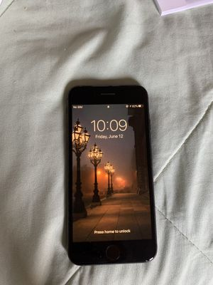 iPhone 8 (Black) 64gb includes charger for Sale in Chicago, IL