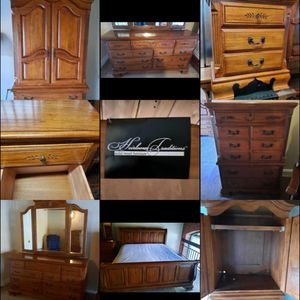 King Bedroom Set- 6 pieces w Mirror for Sale in Vernon, CT