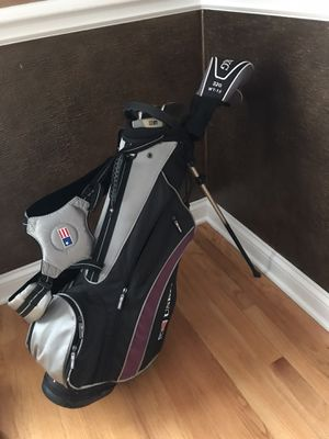 USKG UL 54 golf set with bag and 6 clubs for Sale in Elmhurst, IL