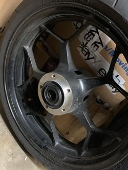 KAWASAKI ZX14 WHEELS/TIRES for Sale in Lake Worth,  FL