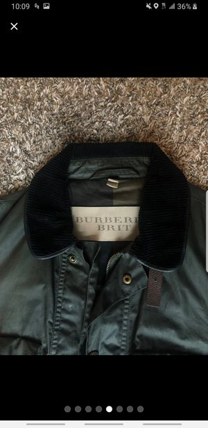 [Gently worn] Burberry Leather Jacket Size Small for Sale in Smithtown, NY