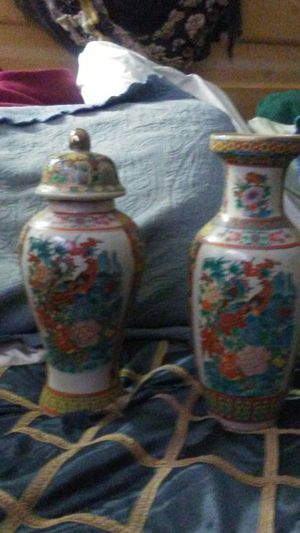 Antique China Vase and Urine for Sale in Palm Beach Gardens, FL