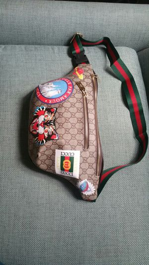 Gucci supreme waist chain fanny belt pack cross body gym bag sunglasses case wallet purse handbag carry all for Sale in San Diego, CA