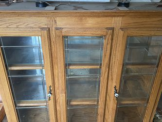 """Pending"" Glass Top of a Hutch. Free for Sale in Aberdeen,  WA"