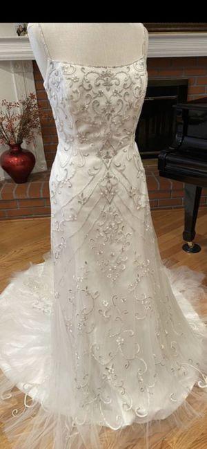 Wedding dress size 8-10 for Sale in Pasadena, CA