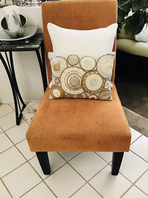Accent chair for Sale in Las Vegas, NV