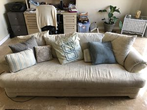 Off-white couch and love seat for Sale in Fort Lauderdale, FL