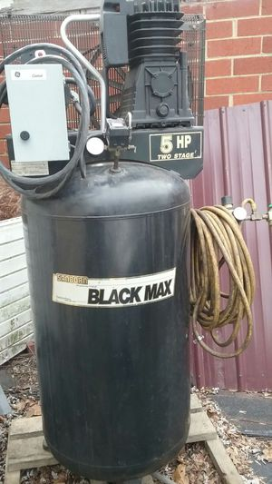 Black max air compressor only used couple times excelent shape for Sale in Kingsport, TN