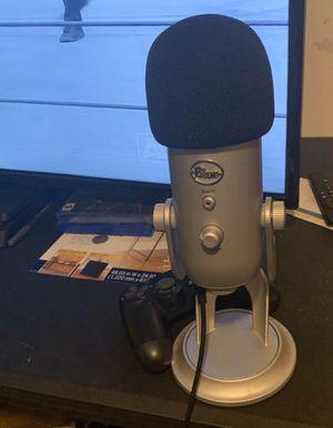 Blue Microphones Yeti Nano Microphone - Cardioid/Omni-Directional - Shadow Gray for Sale in Brockton, MA